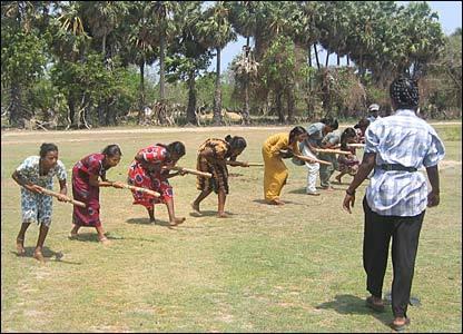 Les femmes dans les camps d'entraînement de l'est du Sri Lanka