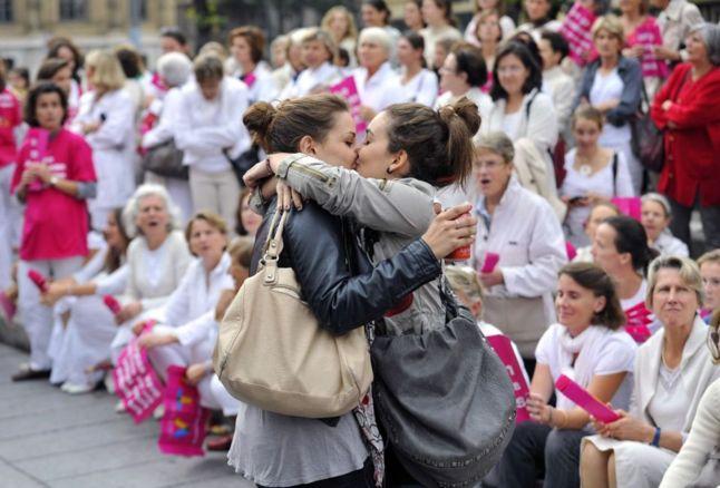 L'égalité pour tous débattue en France