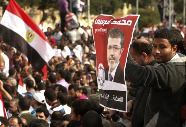 Egypte: l'opposition veut la tête du raïs Morsi