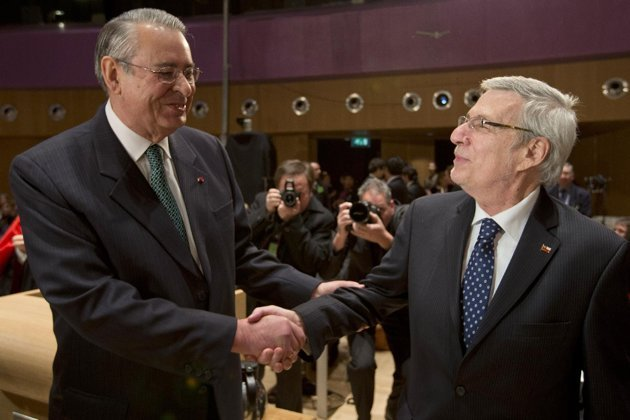 L'ambassadeur péruvien et chilien Alan Wagner et Albert van Klaveren