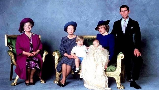 Dès cet été, la famille royale s'agrandira. Fille ou garçon ? Les paris sont ouverts