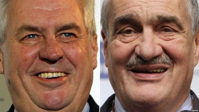 Les deux candidats à la présidentielle tchèque : l´ancien Premier ministre Milos Zeman (à gauche) et le ministre des affaires étrangères Karel Schwarzenberg
