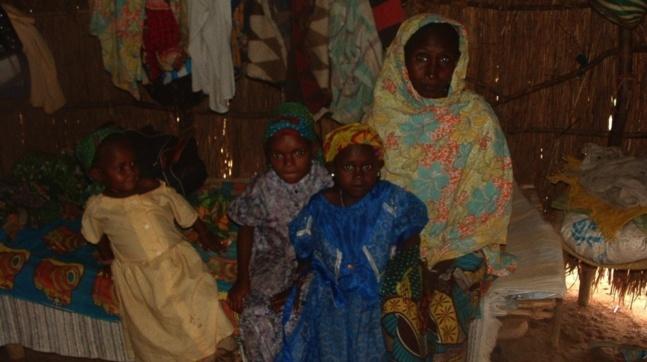 Une veuve et ses trois enfants