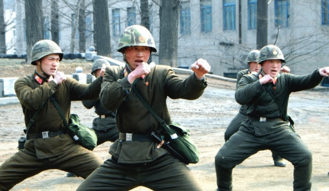 Une photo de soldats à l'entrainement, diffusée par l'agence de presse officielle nord-coréenne KCNA. | Photo REUTERS/KCNA