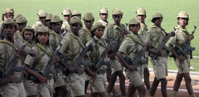 Revue militaire en Érythrée pendant les conflits frontaliers récents avec l'Éthiopie, REUTERS / Jacques Kimball