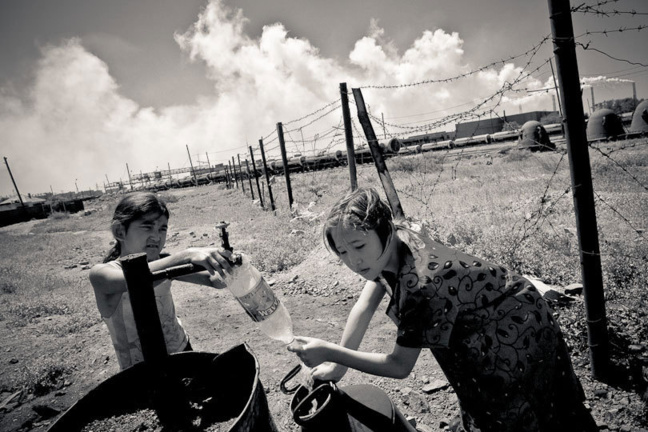 «Kazakhstan and China: Oil and Water». Crédits photo — 2013 by James Wasserman photographer