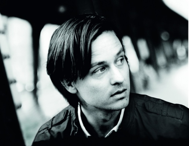 Tom Schilling interprète Niko Fisher, le héros de Oh Boy