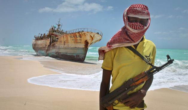 A masked Somali pirate / Crédit Photo -- AP