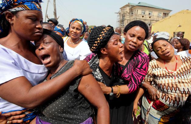 Le désespoir des civils après la déclaration de l'état d'urgence par Goodluck Jonathan, le président du Nigeria