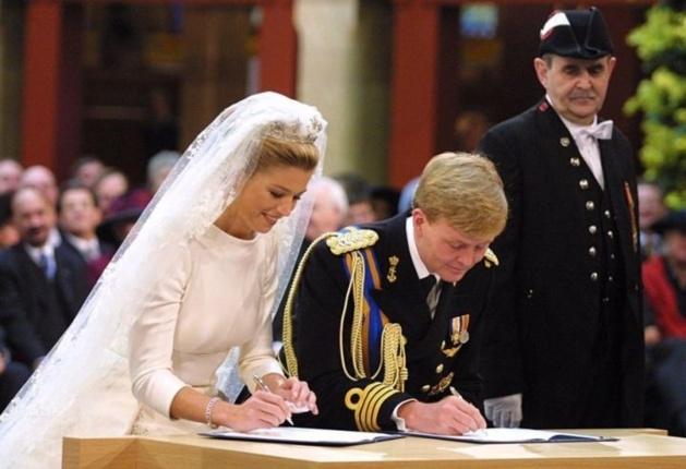 Maxima lors de son mariage avec Willem-Alexander. Crédits photo -- FRED ERNST / ANP / AFP