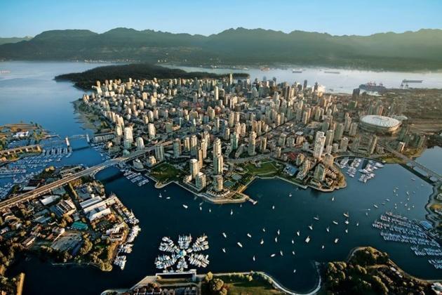 Crédit Photo -- Courtesy of Tourism Vancouver | Vancouver Skyline