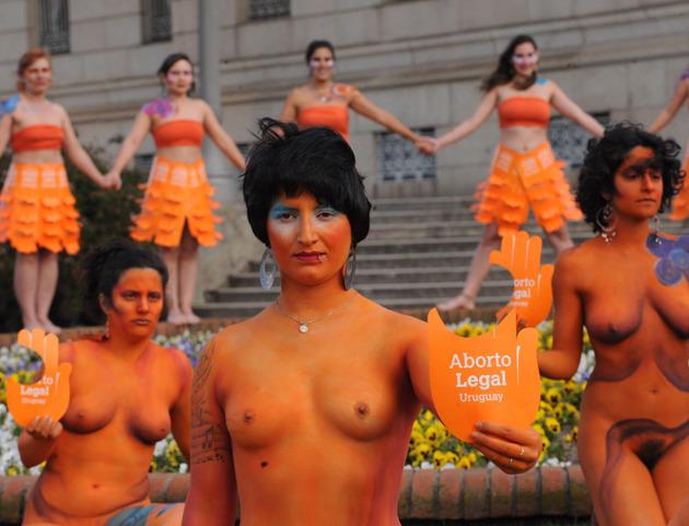 Manifestation pro-avortement devant le Parlement de Montevideo, 25 septembre 2012 | Crédit photo -- AFP
