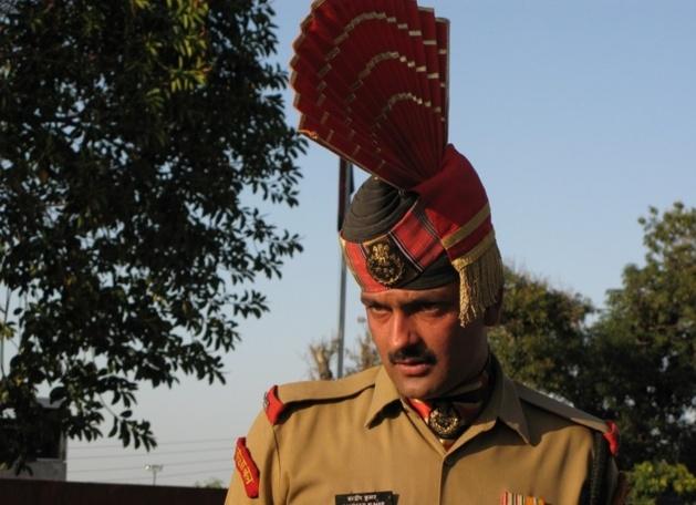 Officier indien | Crédits photo -- Audrey Sérandour/Le Journal International
