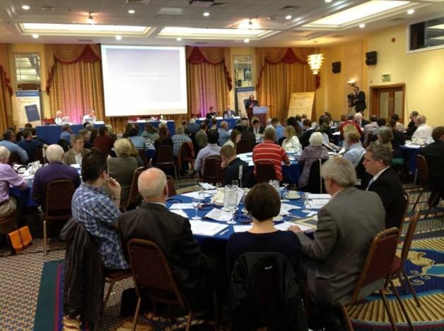 Meeting of the Constitutional Convention / Credits– Daniel English (Convention secretariat)