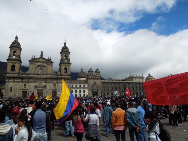 La manifestation a commencé dans le calme et a réuni divers secteurs | Crédits photo Eliana Rentería/Le Journal International