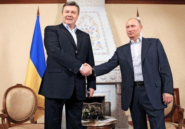 Vladimir Poutine et son homologue ukrainien, Viktor Yanukovych | Crédits photo - Alexey Druzhinin/AFP