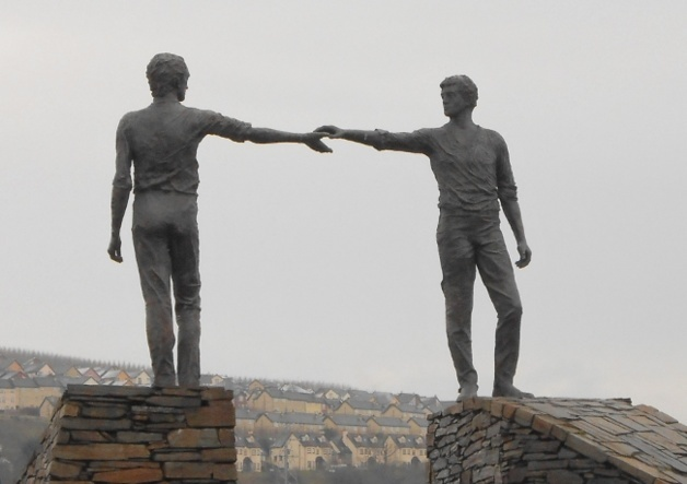 """Statue entitled """"Hands Across the Divide"""" in Derry/Londonderry 