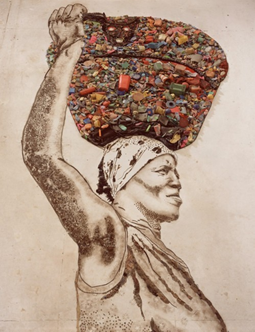 «La portadora (Irmã)» - Série «Imágenes de basura», 2008 | Crédit Photo --- Banrepcultural.org