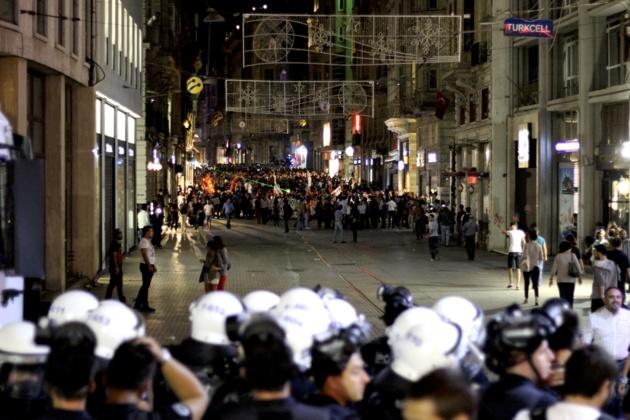 Turquie : l'AKP poursuit sa radicalisation