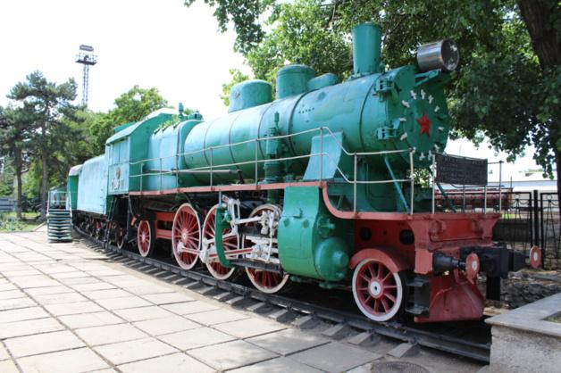 Près de la gare de Bender, ce train a été reconverti en musée d'histoire de la Transnistrie. Les visites sont rares. Crédit photo Pierre Sautreuil