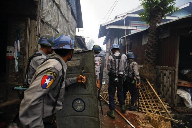 Incursion de la junte dans un bidonville Rohingyas. Crédit DR