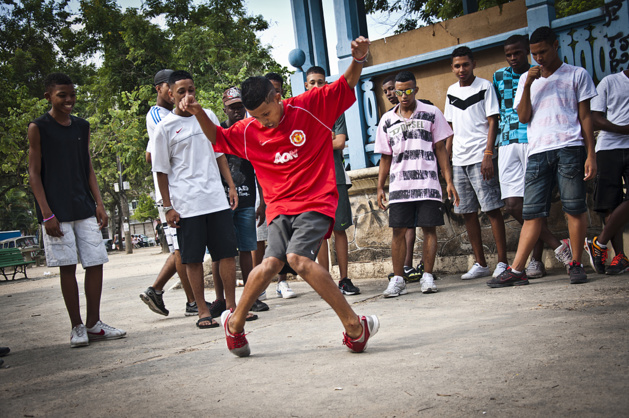 Brazil : Slums, Dance and Hope