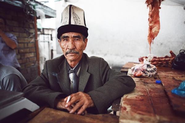 Bazar de Osh, Kirghizstan. Crédit Kares Le Roy
