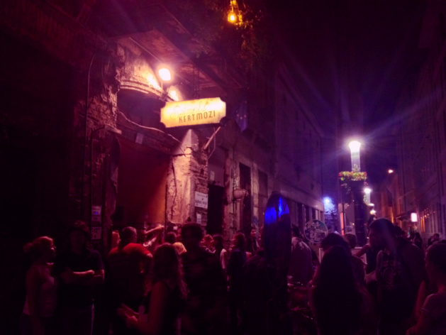 Ruin Pubs: a good reason to study in Budapest