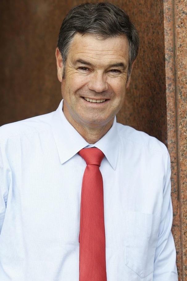 Le Sénateur Manuel José Ossandón, un des deux instigateurs du premier projet de loi en Amérique latine interdisant le gaspillage alimentaire. Crédits : Juan Carlos Caceres