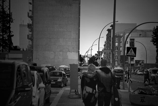 Amoureux dans la rue. Crédits : Chloé Marchal