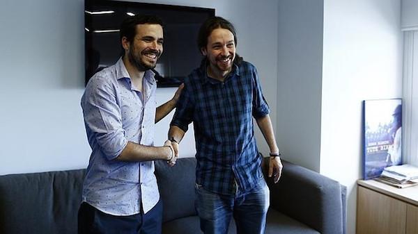 Les deux têtes d'affiche de la gauche radicale espagnole, Alberto Garzón (à gauche) et Pablo Iglesias (à droite). Crédit : Oscar Del Pozo