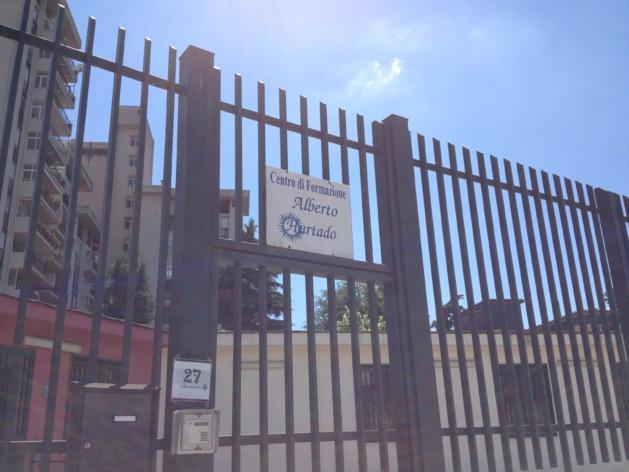 « Résister à Scampia », c'est la mission que s'est donné le Centre Hurtado. Crédit Jules Coussement