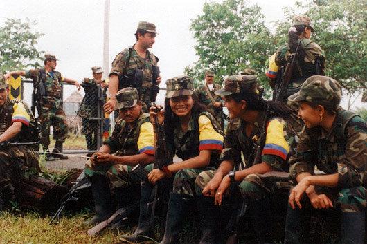 Des combattantes FARC en Colombie. Crédit : Flickr - Silvia Andrea Moreno.