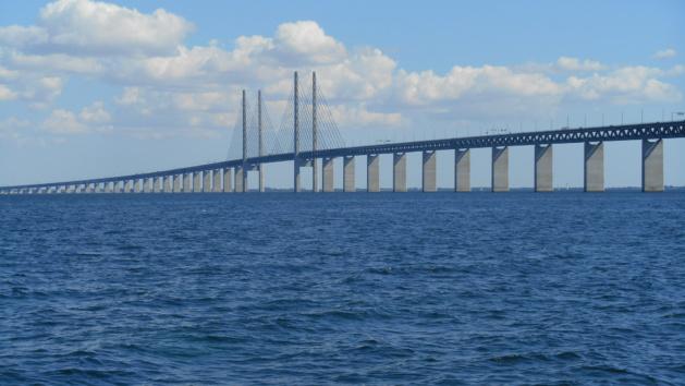 Le pont de l'Öresund entre le Danemark et la Suède, où les contrôles sont effectués. Crédit : fab_a_paris / Flickr (licence CC)