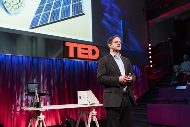 Harald Haas au TEDGlobal de Londres – 29 septembre 2015 © James Duncan Davidson/TED
