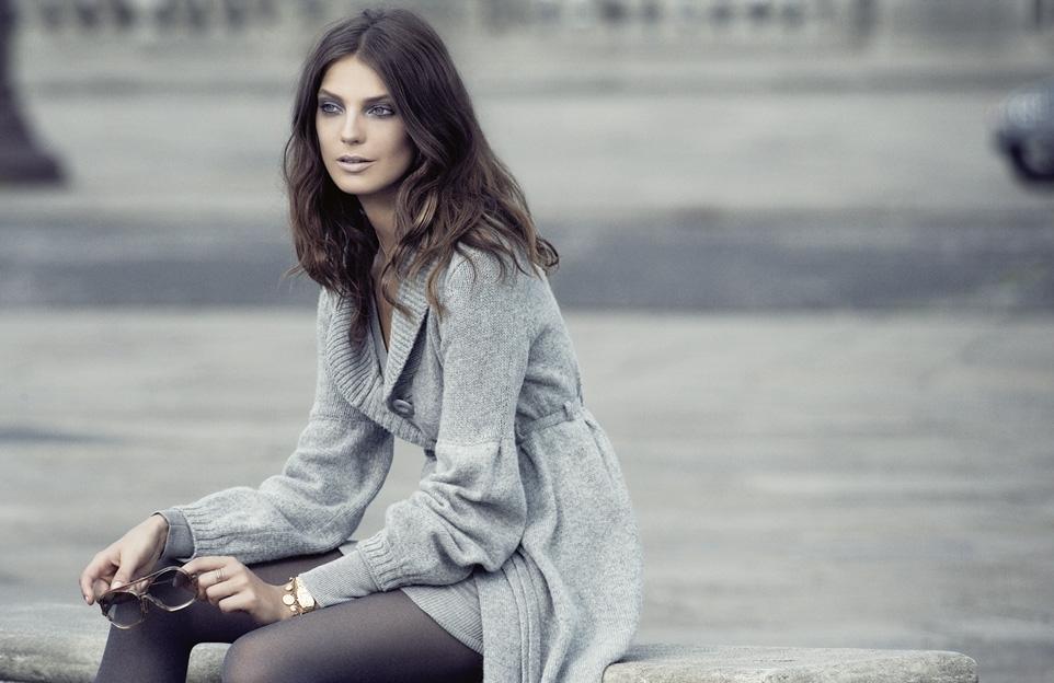 Daria Werbowy prête son élégante silhouette à l'enseigne de prêt-à-porter nordique H&M   Crédit Photo --- H&M
