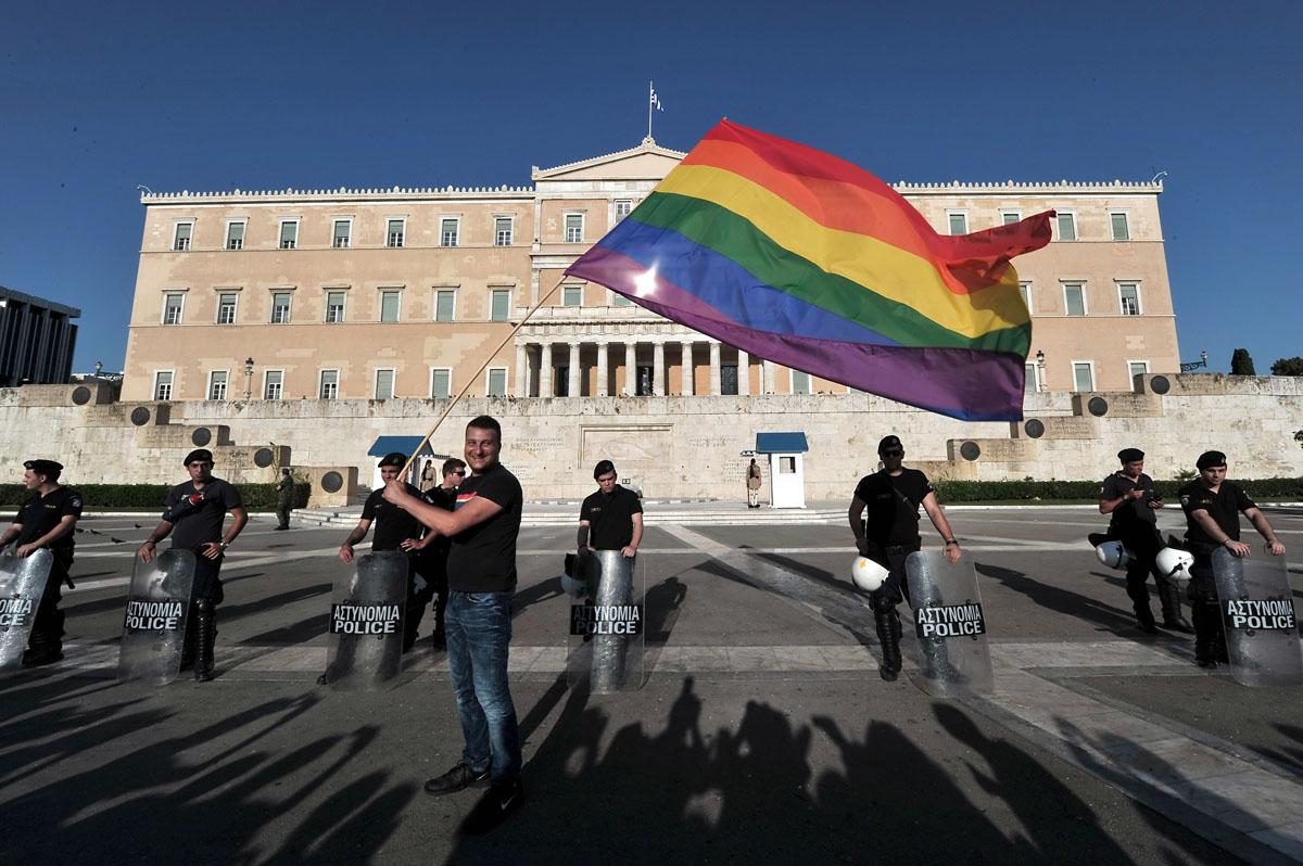 Crédits Photo -- Louisa Goulia-Maki, Aris Messinis/AFP/Getty Images