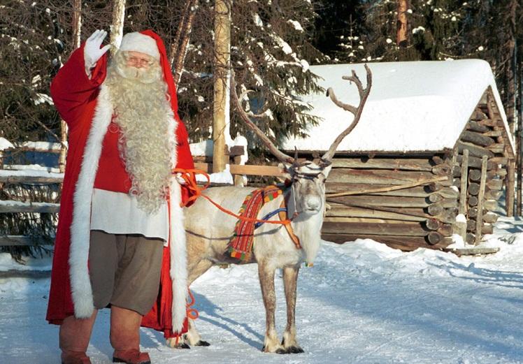 Le Père Noël et Comète | Crédits -- santatelevision.com