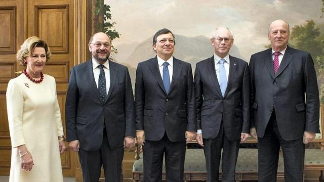 La reine Sonia de Norvège, le président du Parlement européen Martin Schulz, le président de la Commission européenne José Manuel Barroso, le président du Conseil européen Herman Van Rompuy, et le roi Harald de Norvège | © EPA