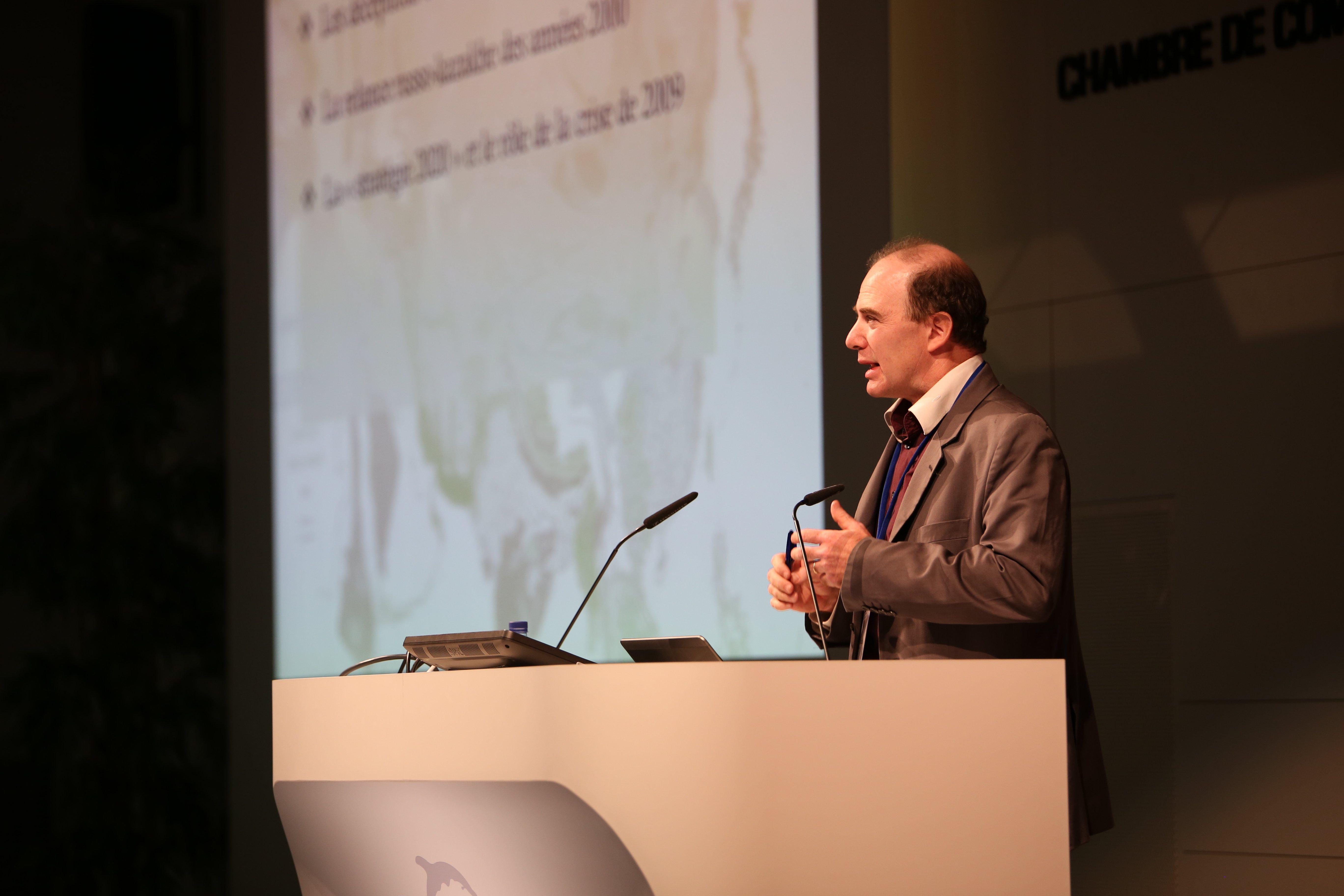 Julien Vercueil lors d'une conférence sur « L'Eurasie vue de Russie : les enjeux de l'intégration économique régionale » au Festival géopolitique de Grenoble le 3 avril 2014. Crédit : Festival géopolitique de Grenoble