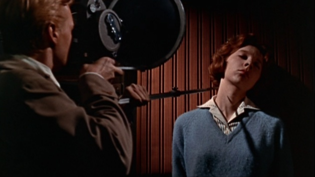 Peeping Tom, an Avant-garde Snuff movie