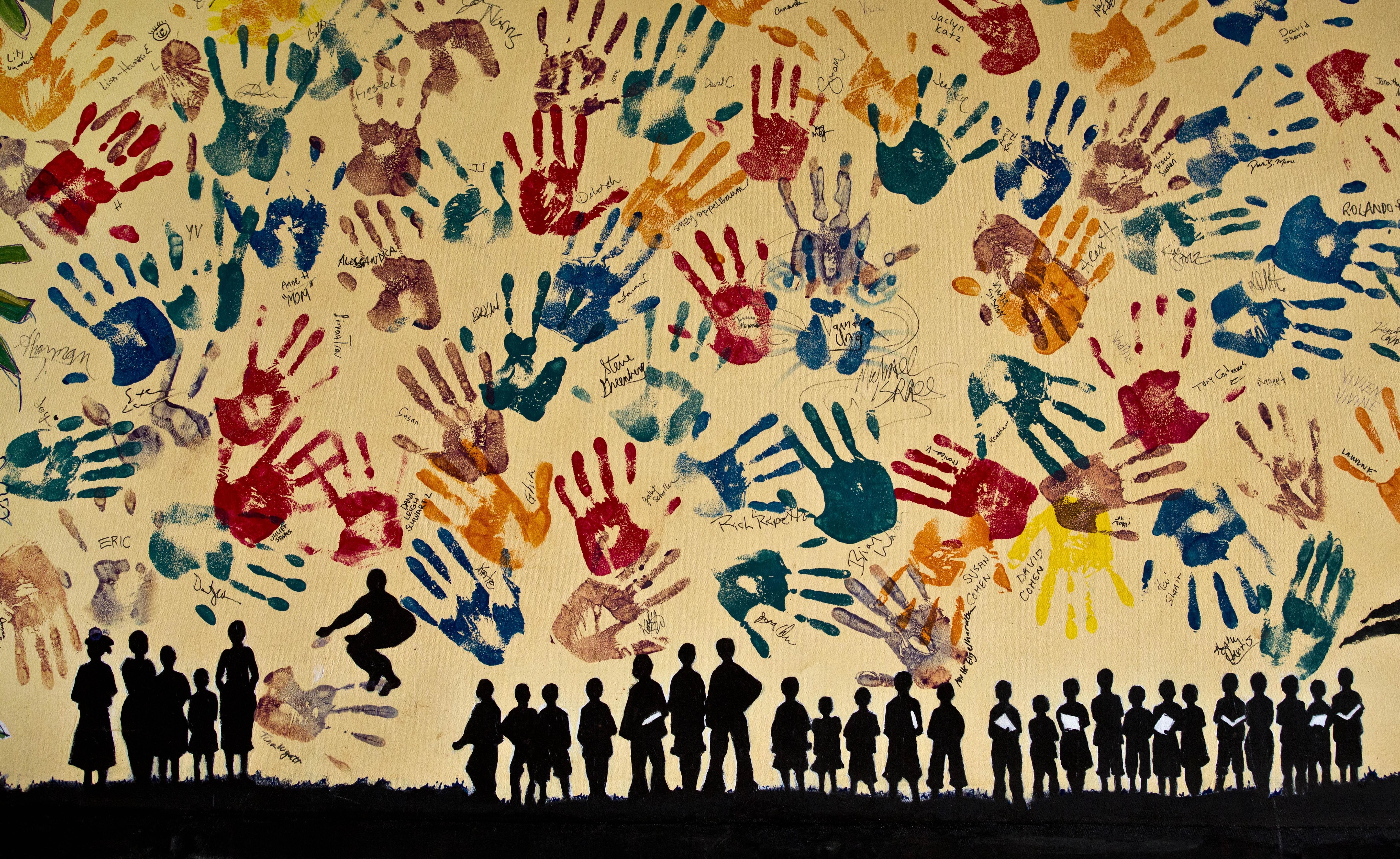 Mur peint par des étudiants pour commémorer le génocide rwandais - Crédit AP