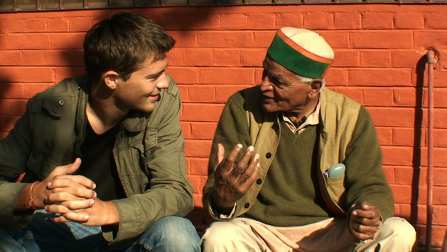 Marc e Satish Kumar, Crédito Nathanaël Coste