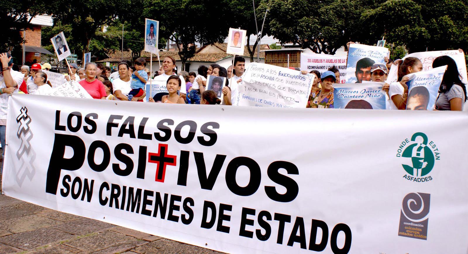 Manifestation réclamant justice pour les faux positifs. Crédit boletinesdeprensacompromiso.blogspot.com