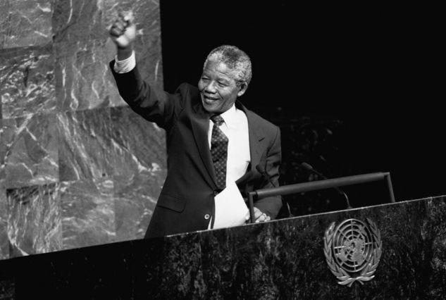 Nelson Mandela à la tribune de l'Assemblée générale des Nations Unies en 1990 - Crédit : UN Photo / P.Sudhakaran