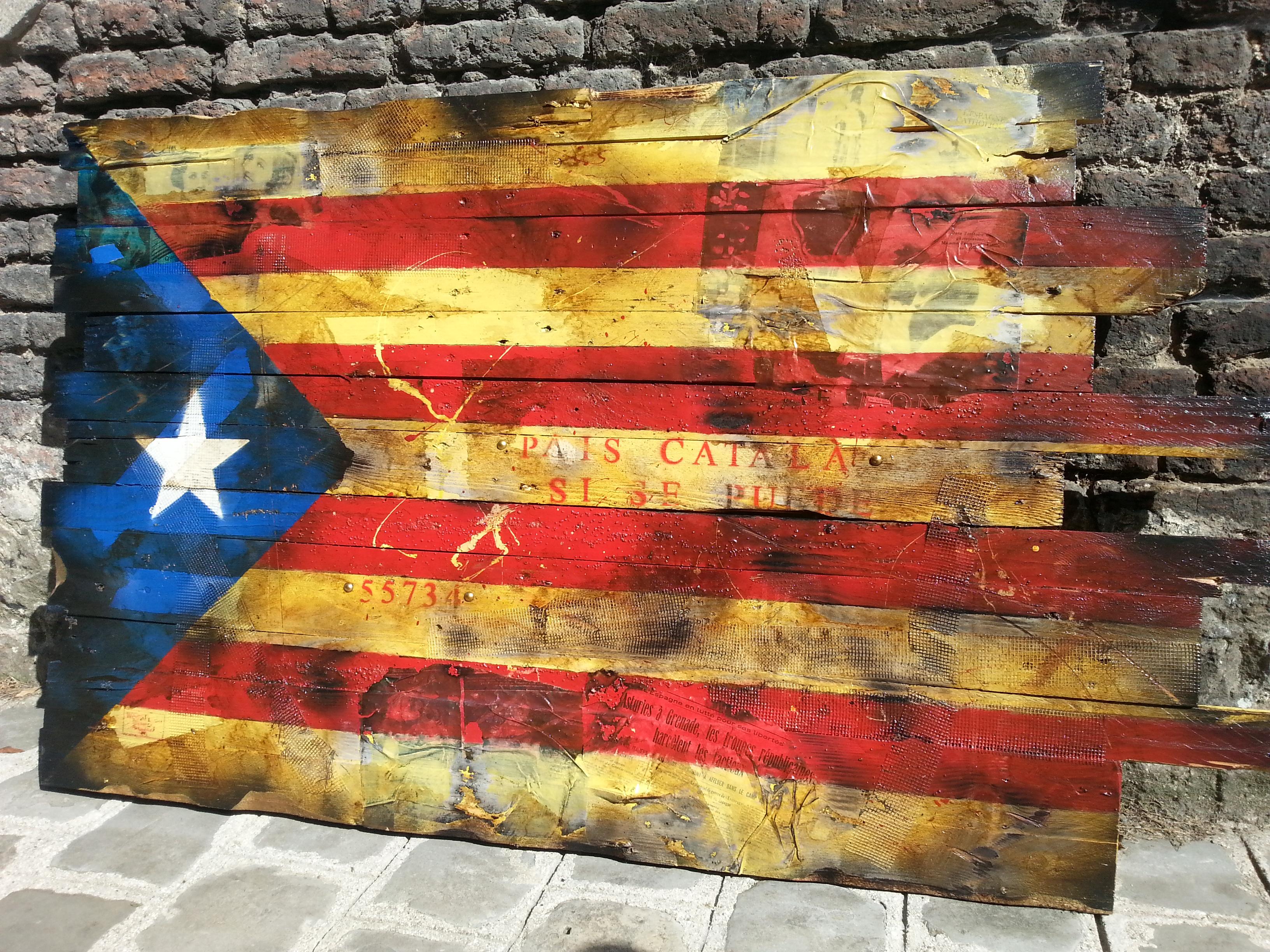 Drapeau catalan sous forme de barricade pour l'indépendance – Crédit Reuters