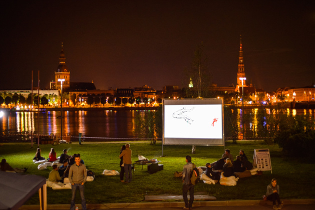 Outdoor projection during the Riga City Festival 2014. Credits screencitylab.net