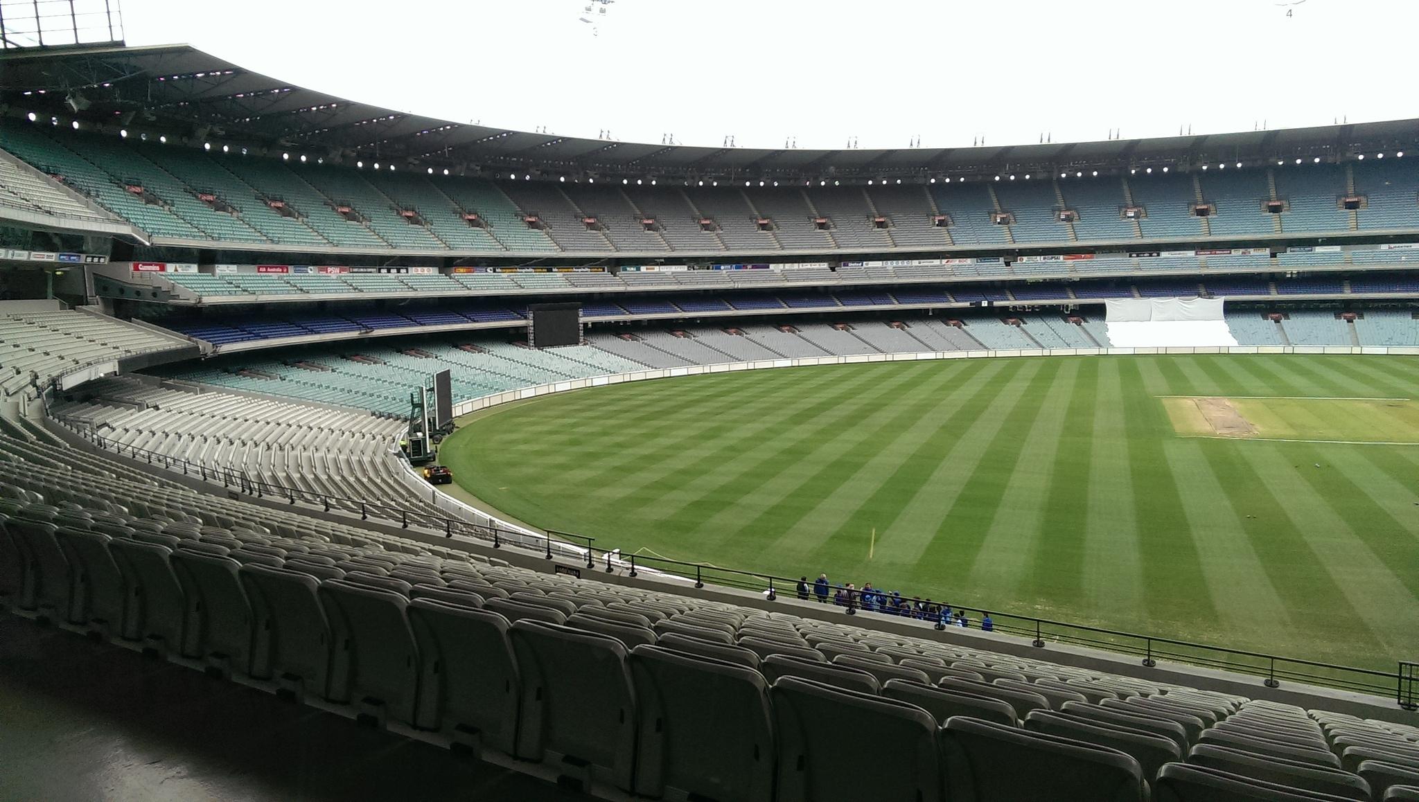 Le Melbourne Cricket Ground accueille chaque année l'AFL Grand Final – Crédit  flickr/VanguardVision