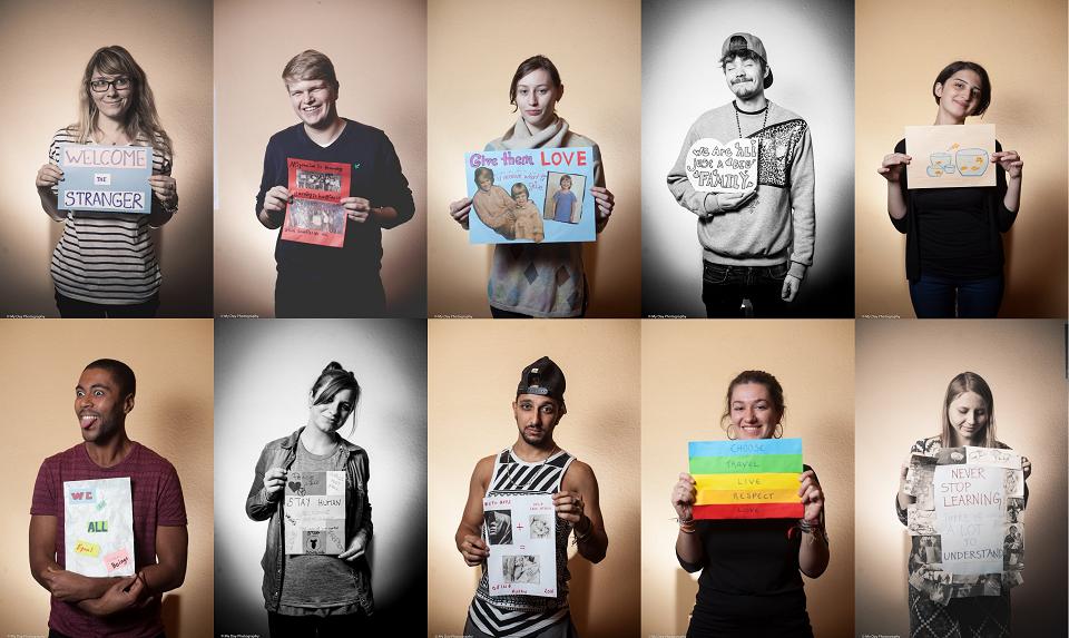Les participants devaient créer un poster exprimant leur sentiment sur l'immigration, en fin de semaine – Crédit Nicat Xudiyev