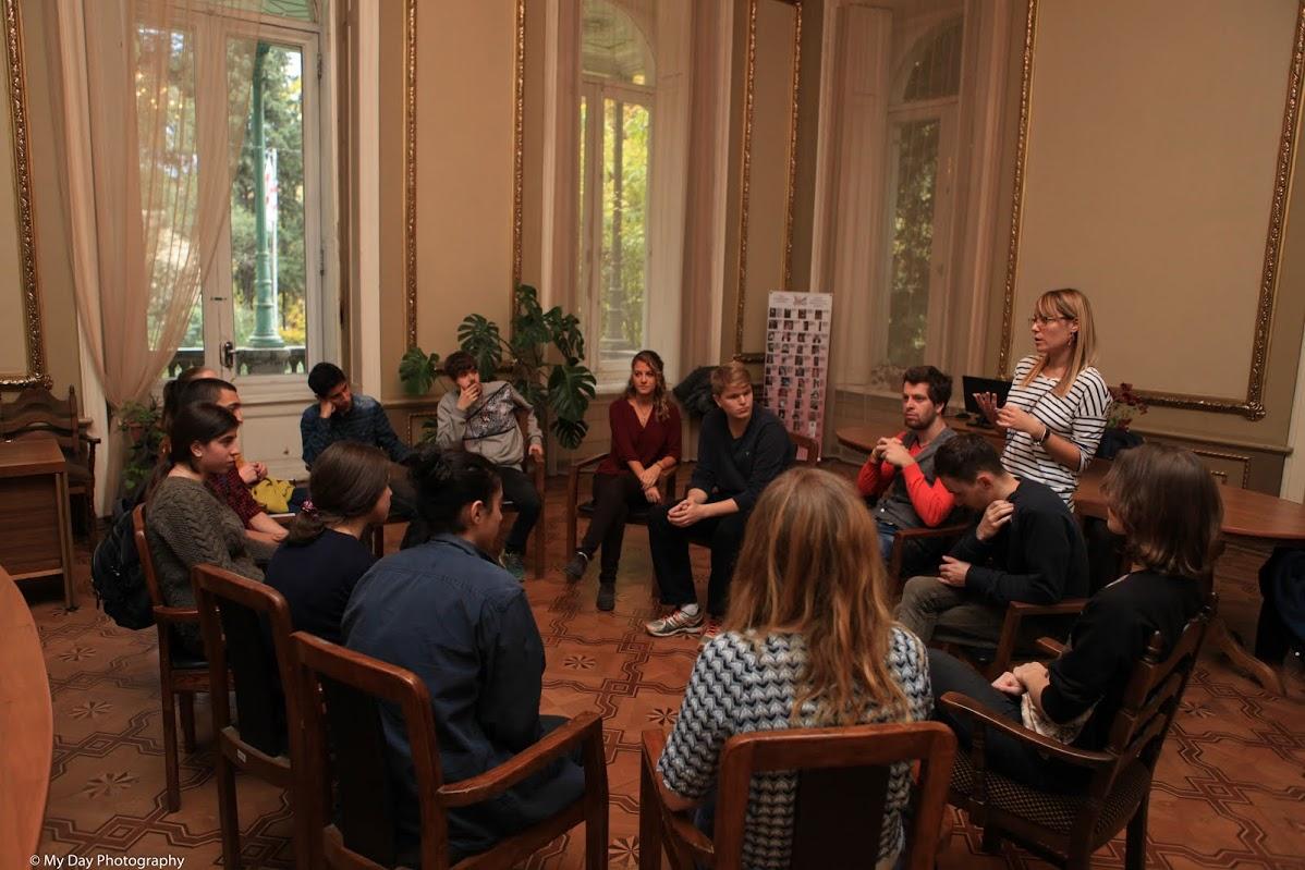 Une des activités proposées au Youth Palace visait à mettre les jeunes géorgiens dans la peau des migrants – Crédit Nicat Xudiyev